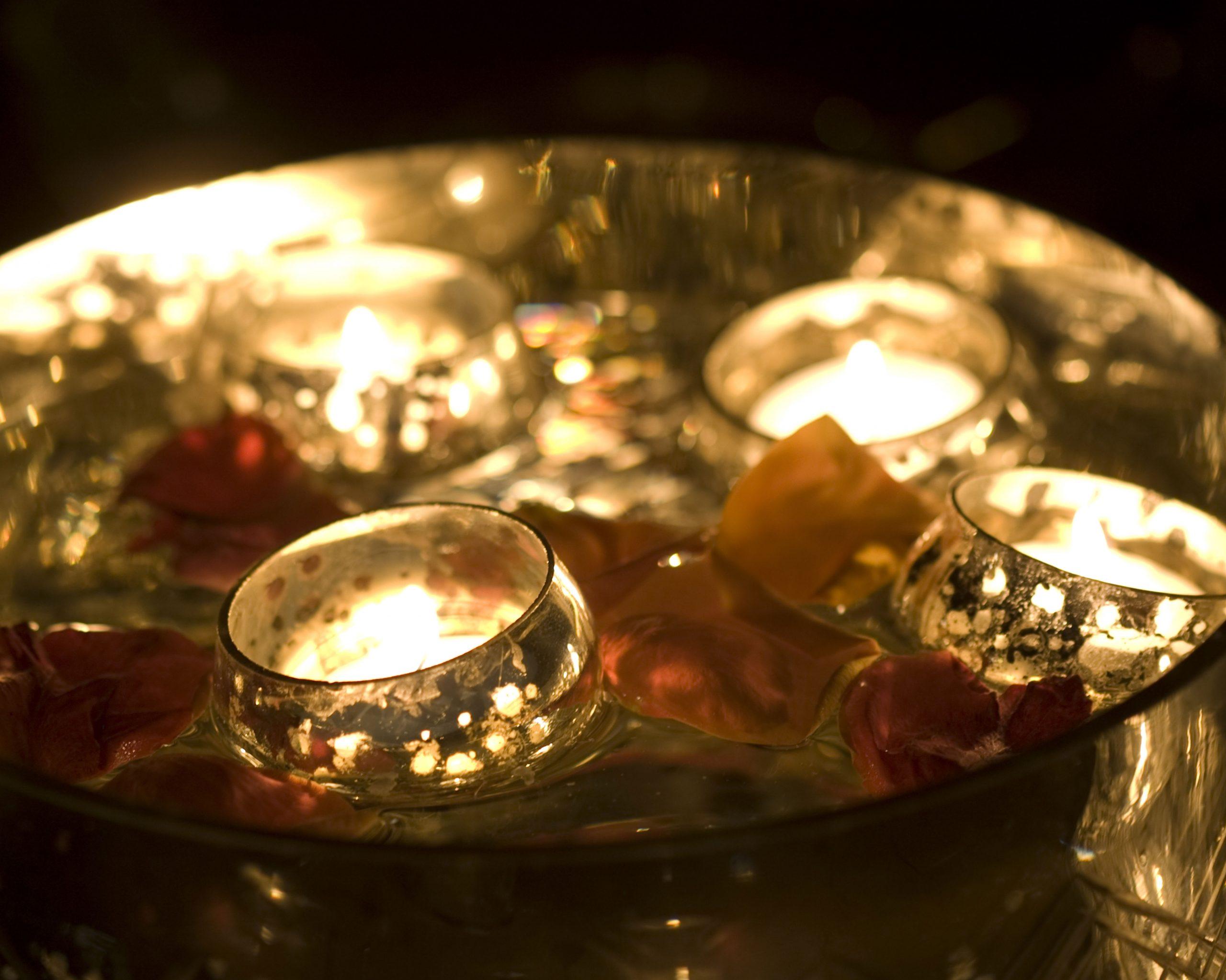 Table tea light holders
