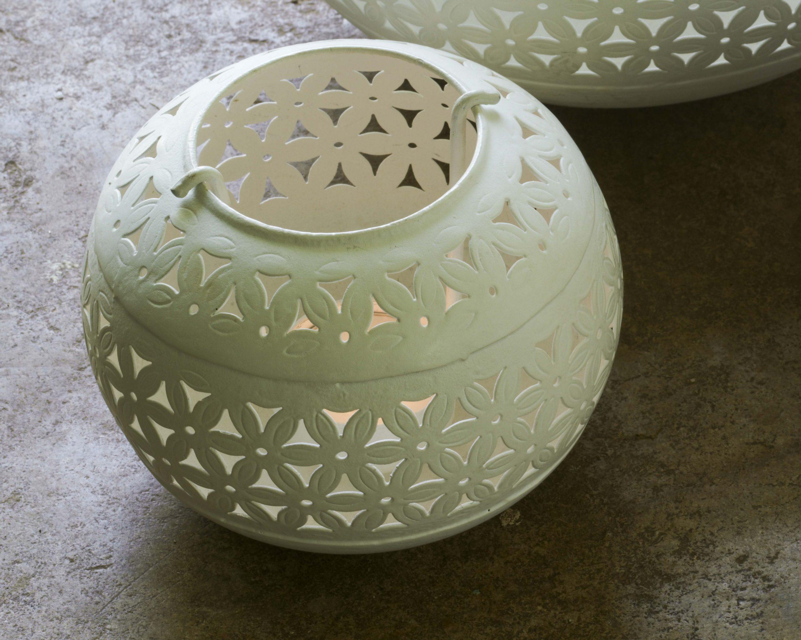 Iron pieced tea light holder
